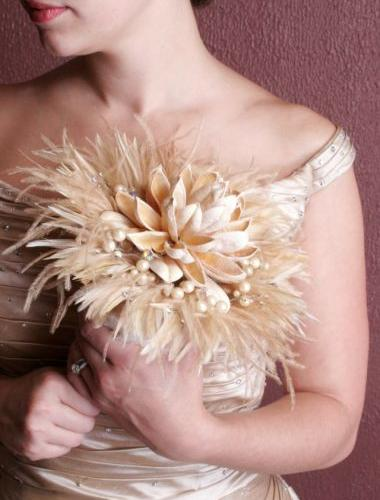 some great alternatives or additions to the traditional bridal bouquet