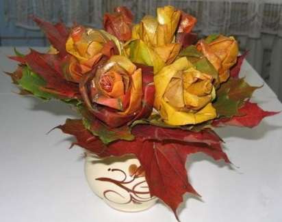 folded-maple-leaf-roses-bouquet1